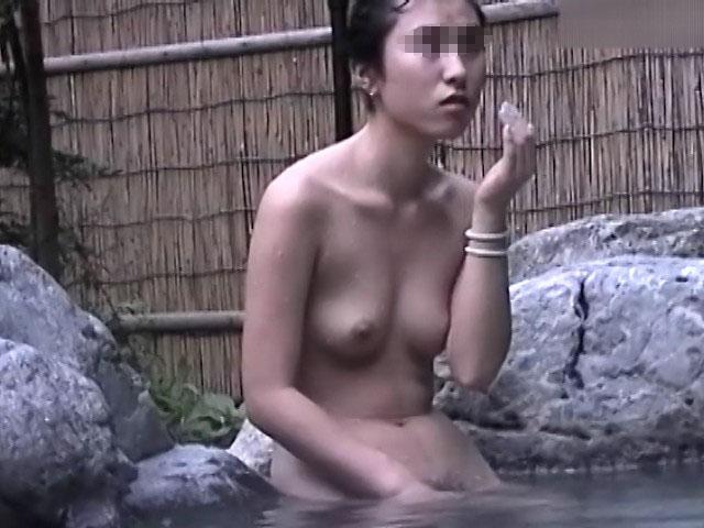 Gekisha approach of open-air rock bath 13